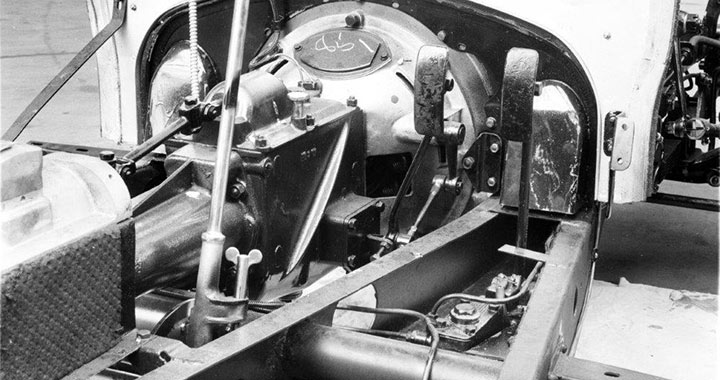WA Gearbox, brake and chassis