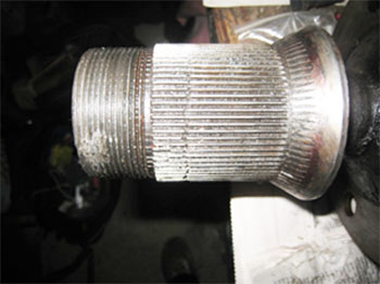 Cracked axle hub-shafts